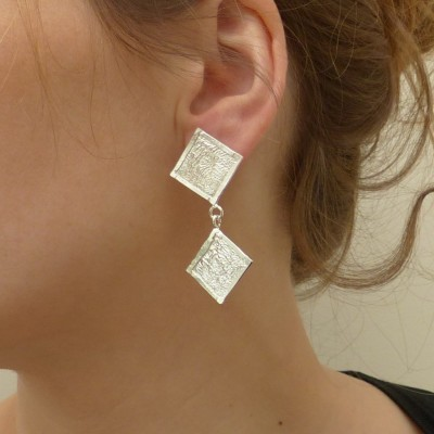 Boucles d'oreilles en argent fripé deux losanges