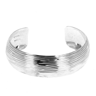Bracelet en argent strié...